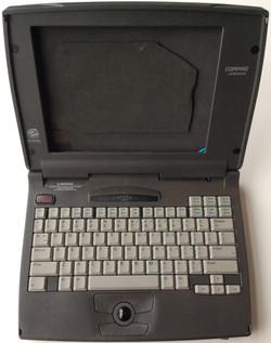 "Compaq Armada 1120 vintage laptop - Takes 10"" tablet"