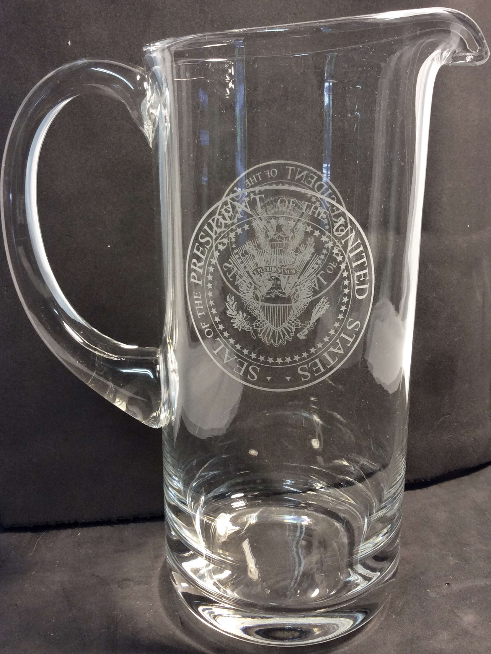 POTUS glass water jar