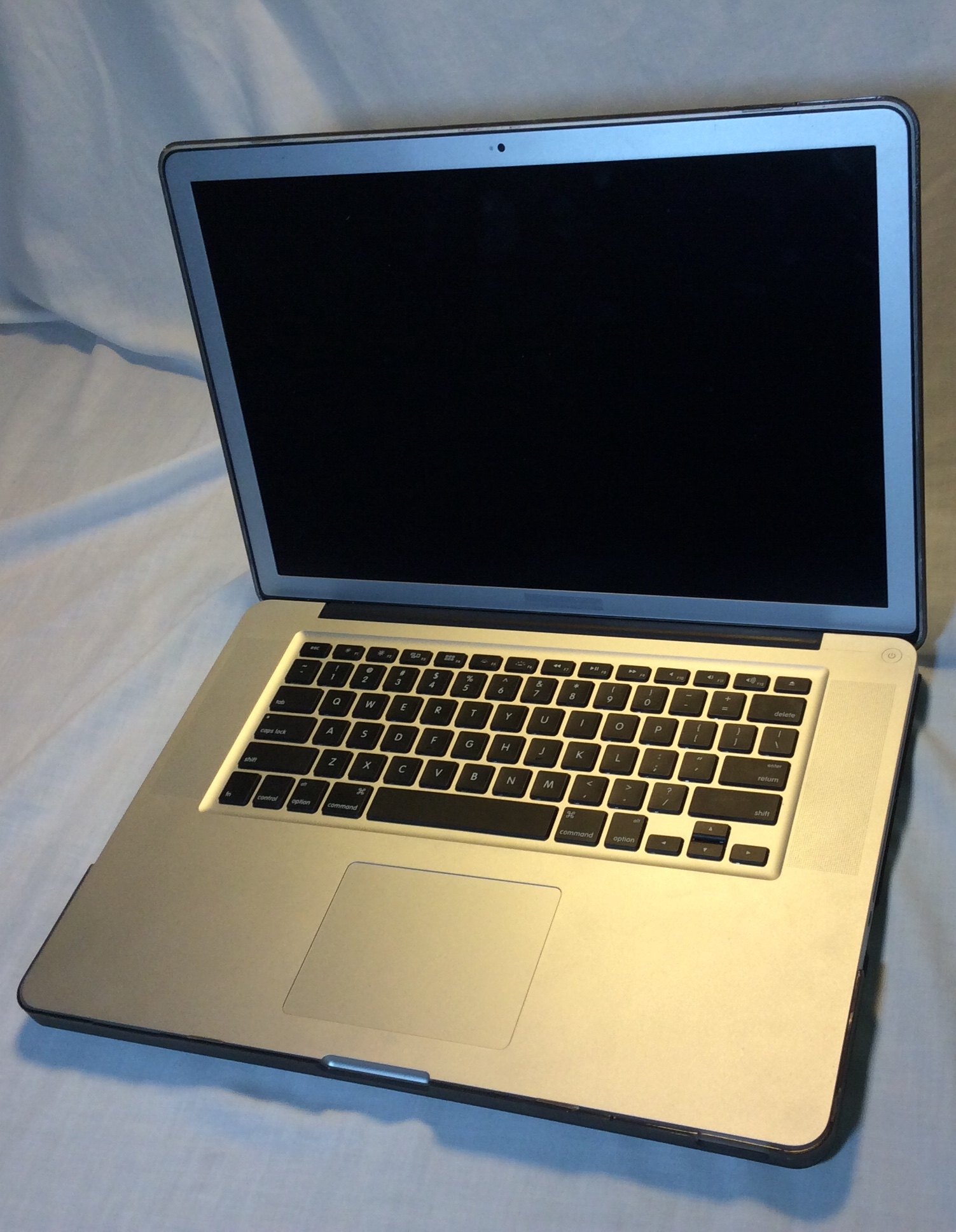 Working Apple MacBook Pro Laptop