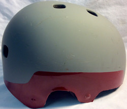 Helmet matte gray with shiny red detaill