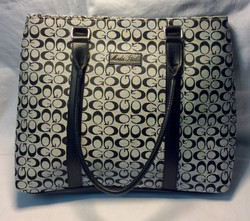 Moda Italia Grey patterened purse