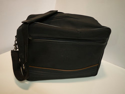 Sm/med luggage bag with brown trim