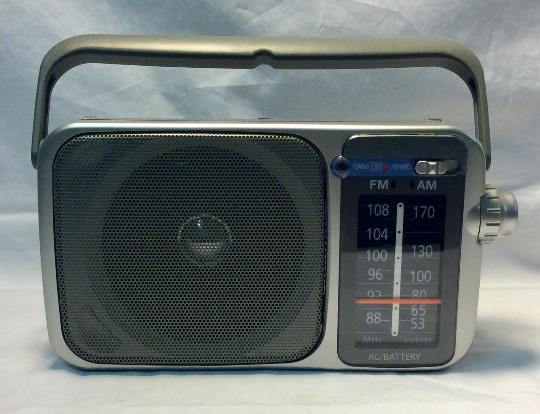 Portable AM/FM Radio