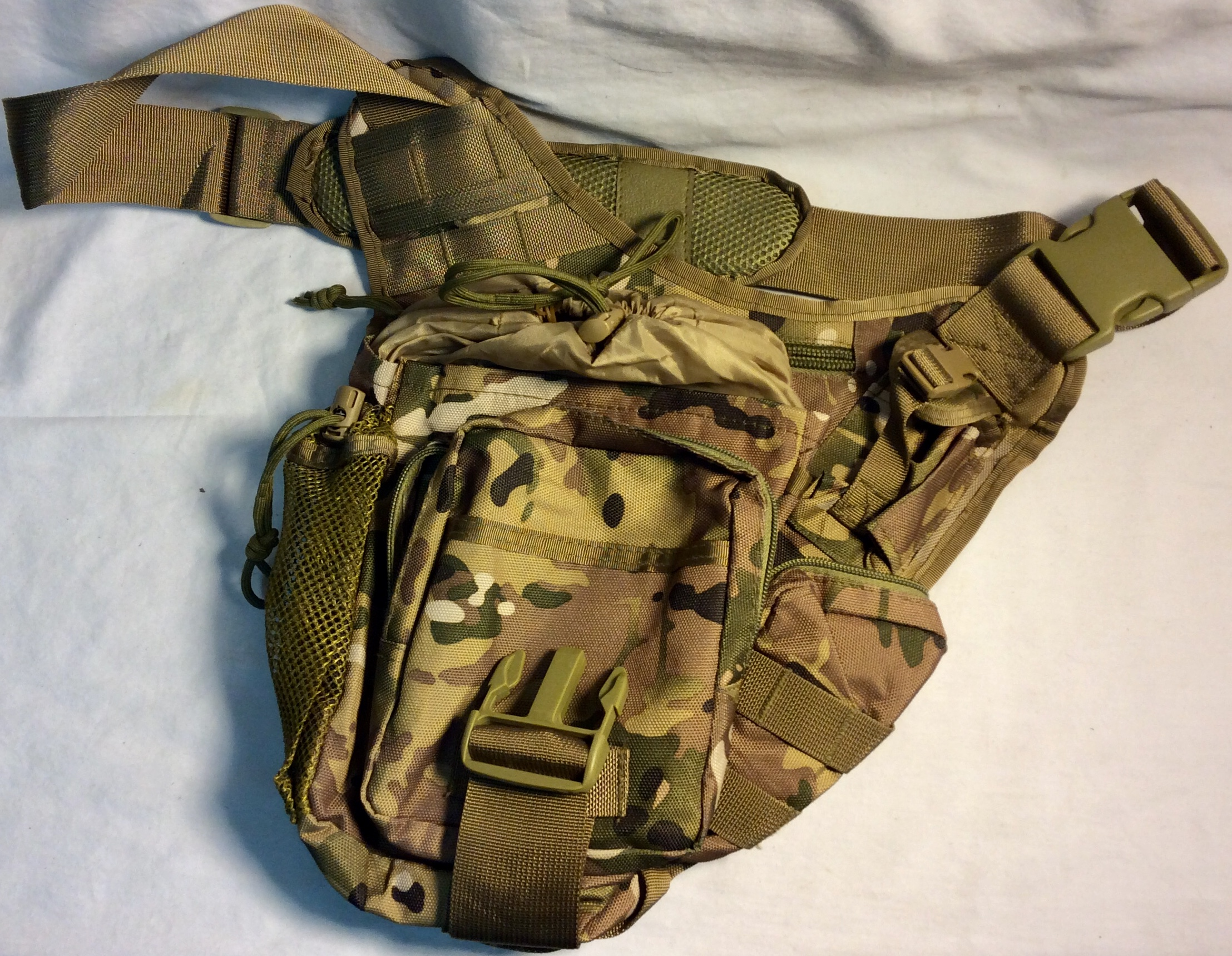 Military shoulder bag with classic camo
