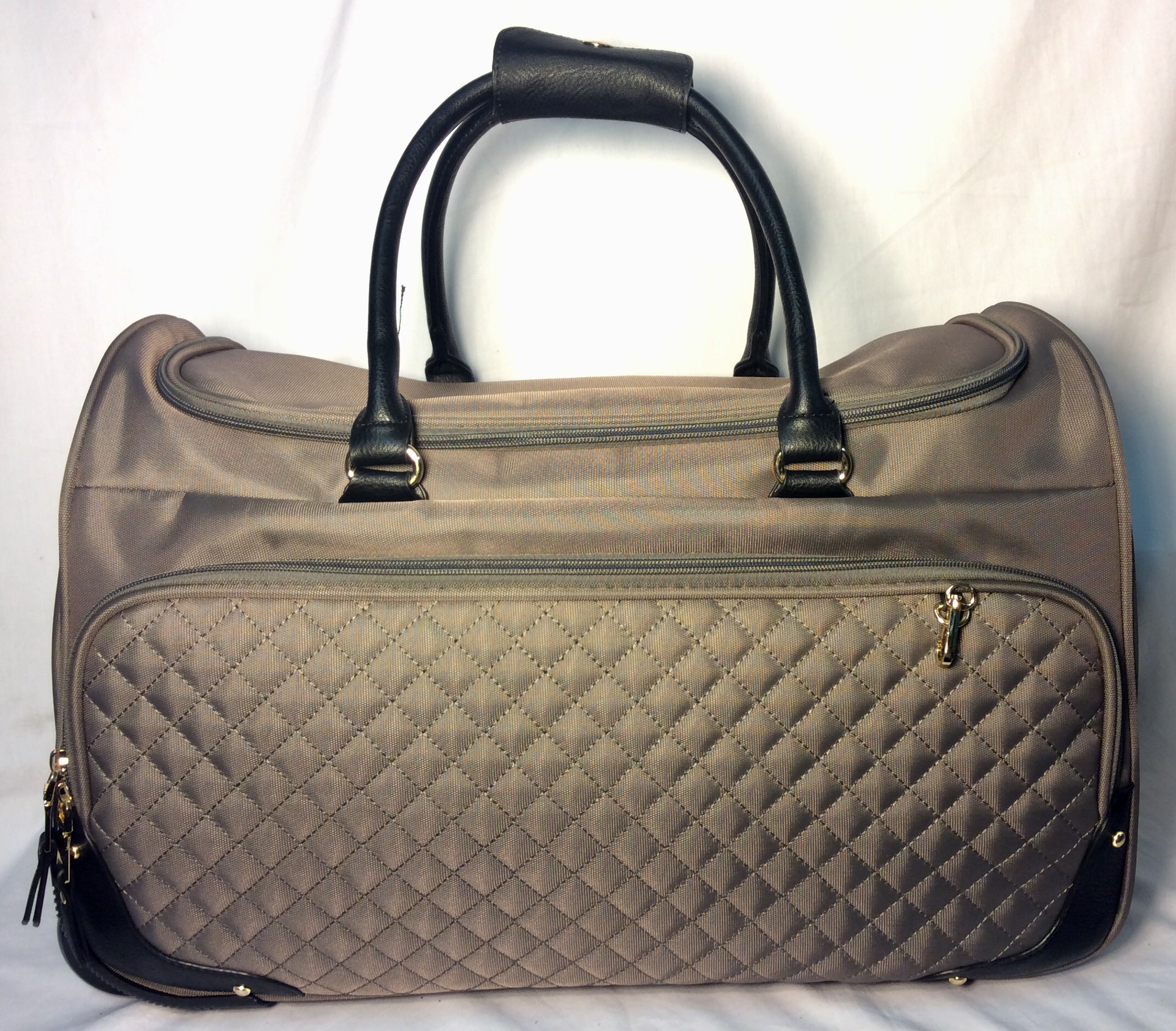 Grey polyester travel bag with wheel