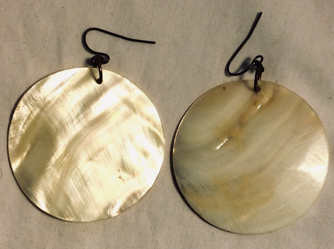 Pair of faux mother of pearl earring