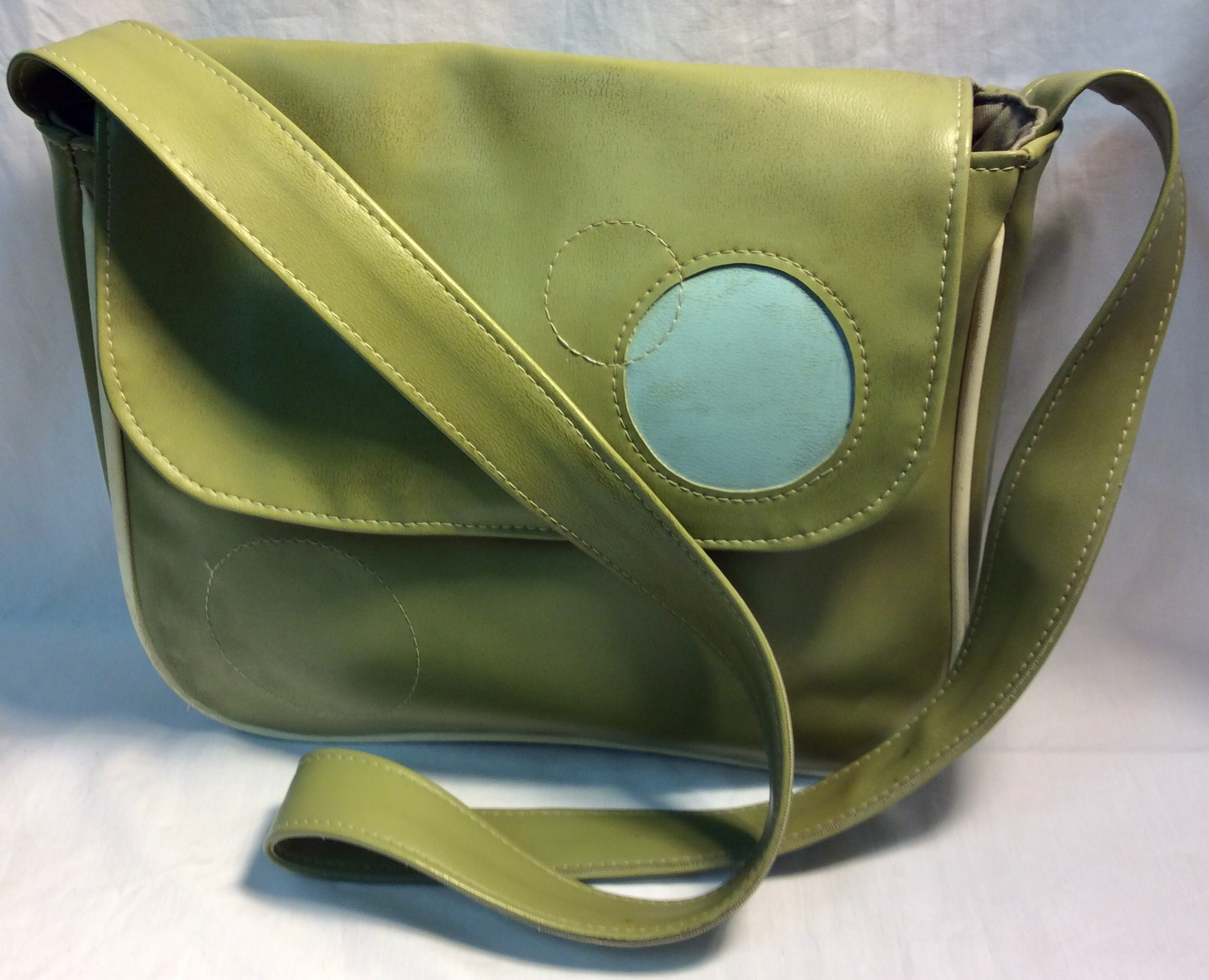 Smoking Lily Green leather with blue