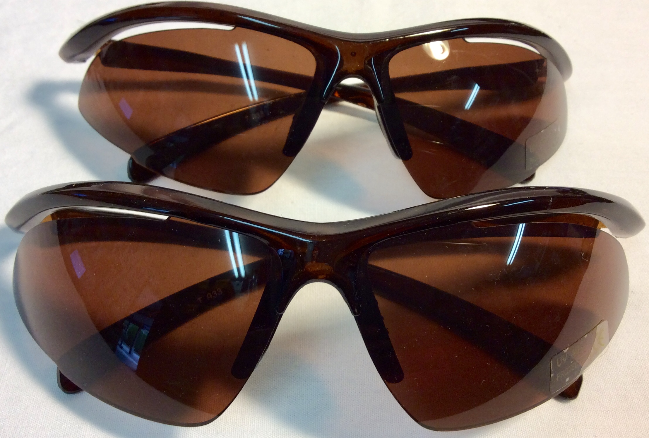 Sport style sunglasses with brown lenses