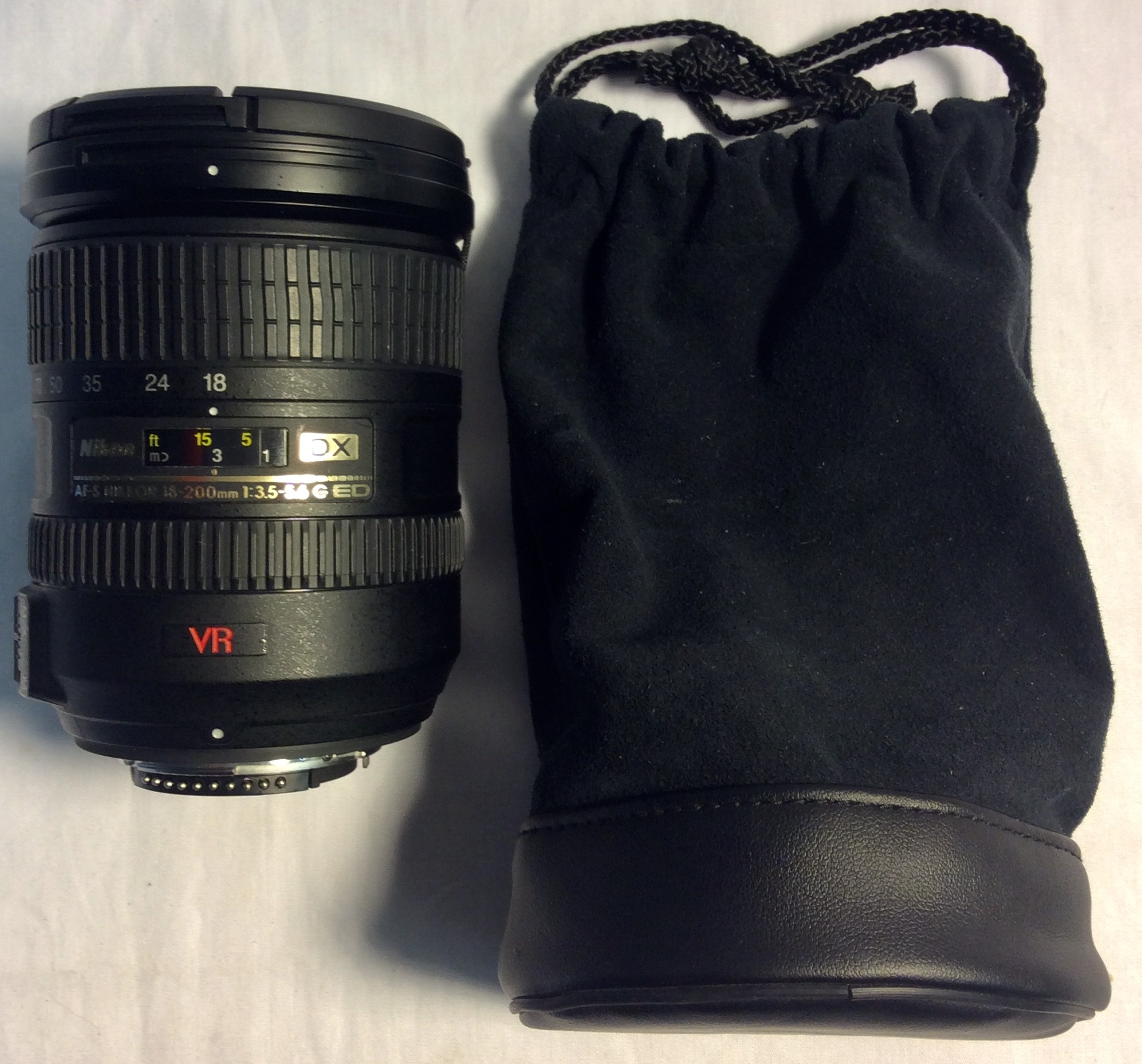 Nikon Nikon VR lense with lense cap