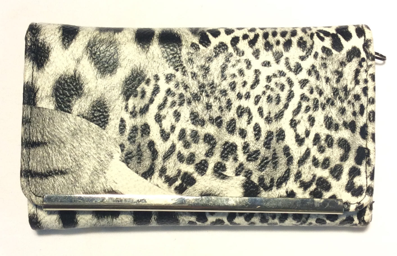 White and black leopard print
