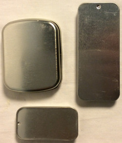 Square and rectangular metal tins