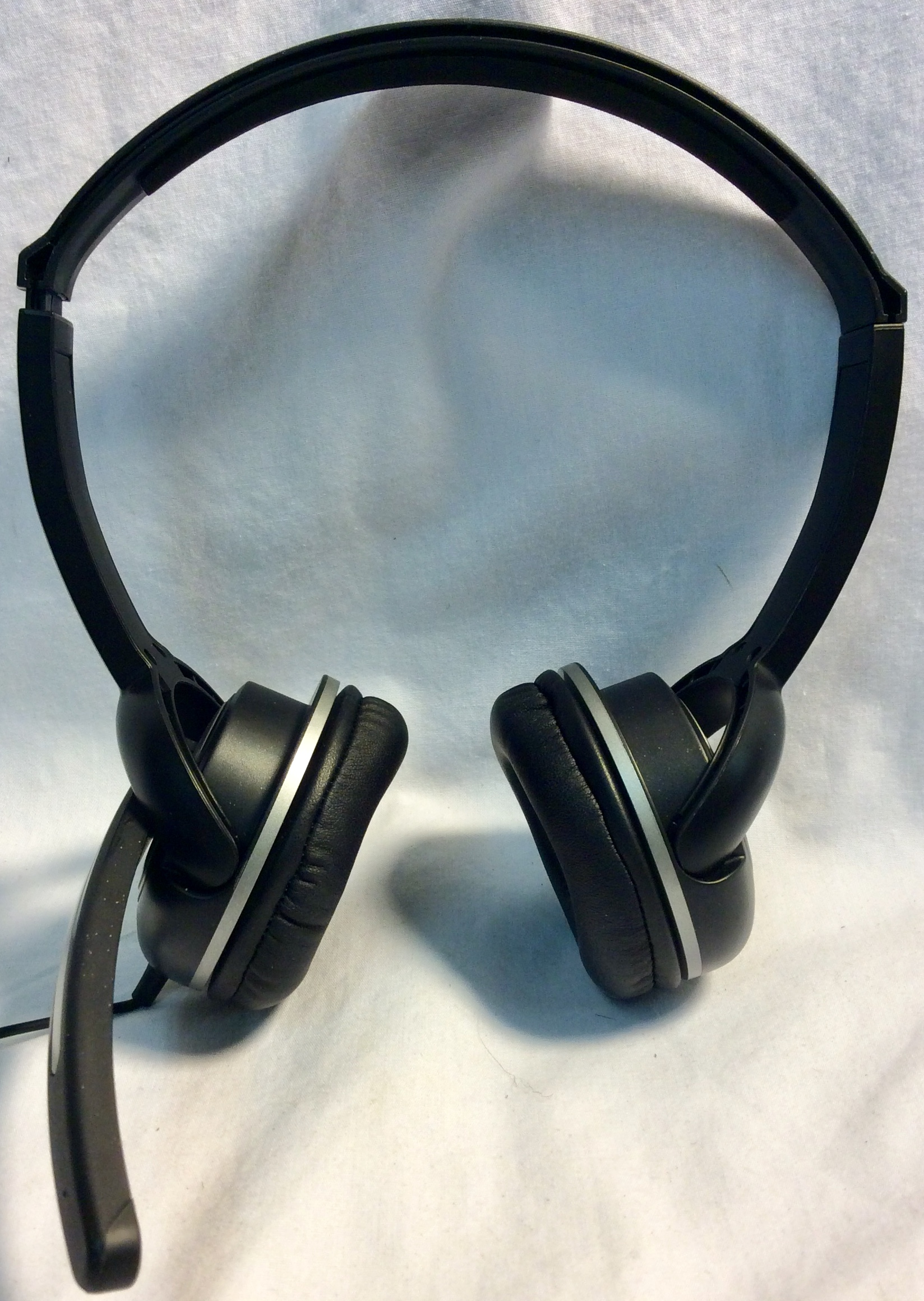 Black headsets with mic with volume control