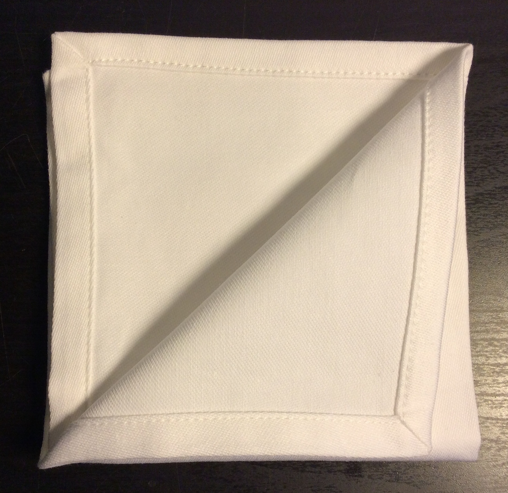 "White cloth napkins 10""x10"" - x4"