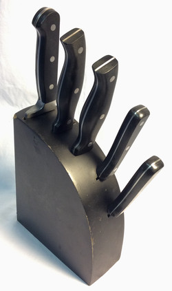 Black wooden knife block with 5 slot