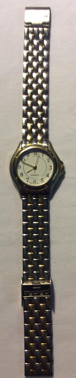 Quartz watch - round white face
