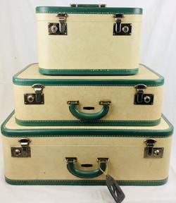 Item #1314680  Travelguard Cream with green seams - 3 piece set of luggage