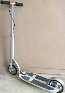 Adult scooter with folding mechanism