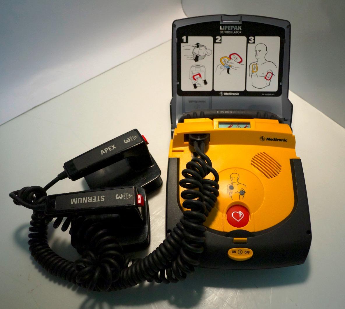 Defibrillator Lifepak