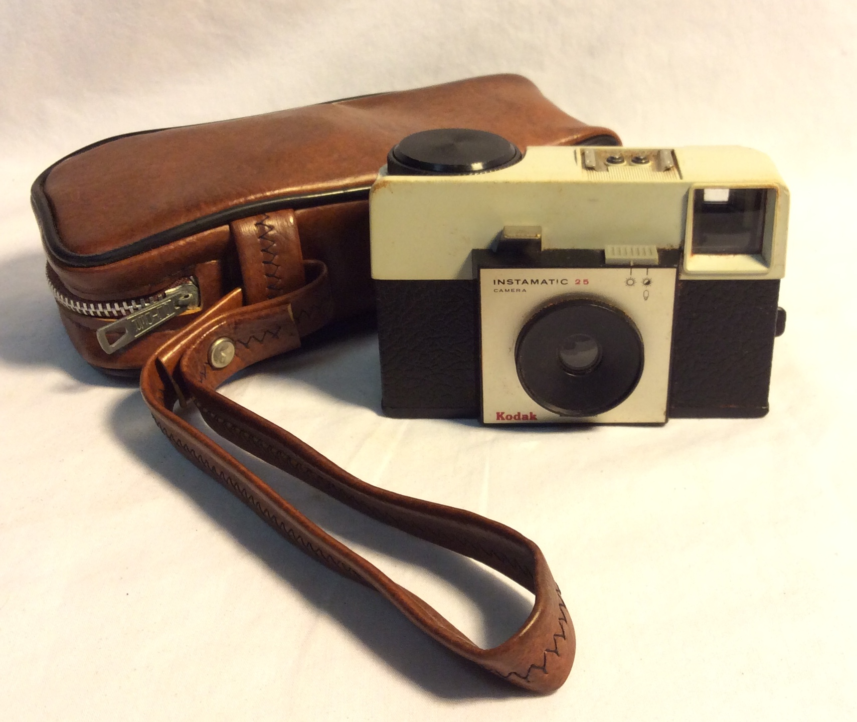 Vintage 1960's Kodak Instamatic Camera with brown leather case