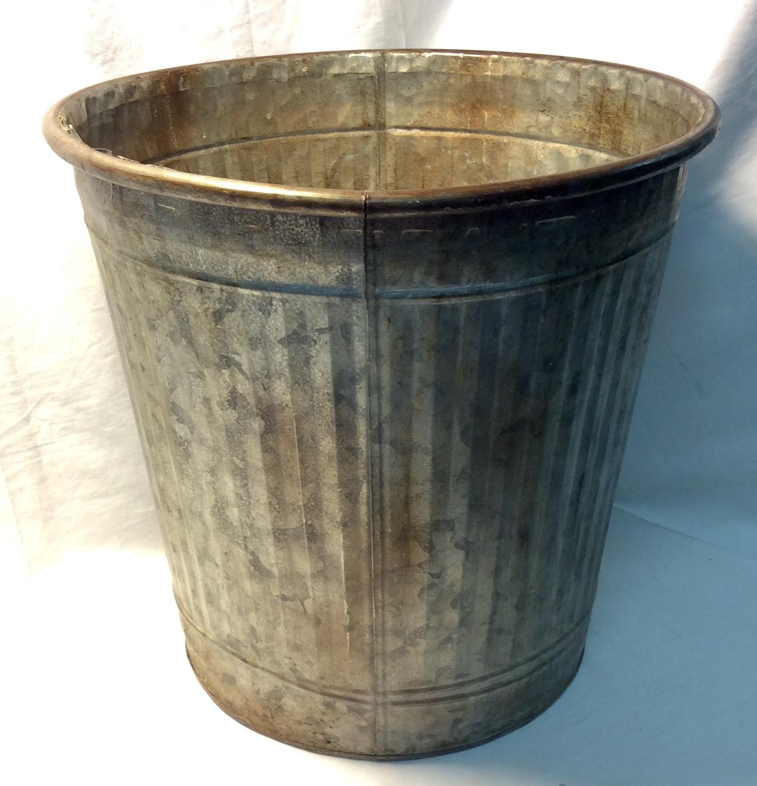 """Metal bucket 12"""" diameter"""