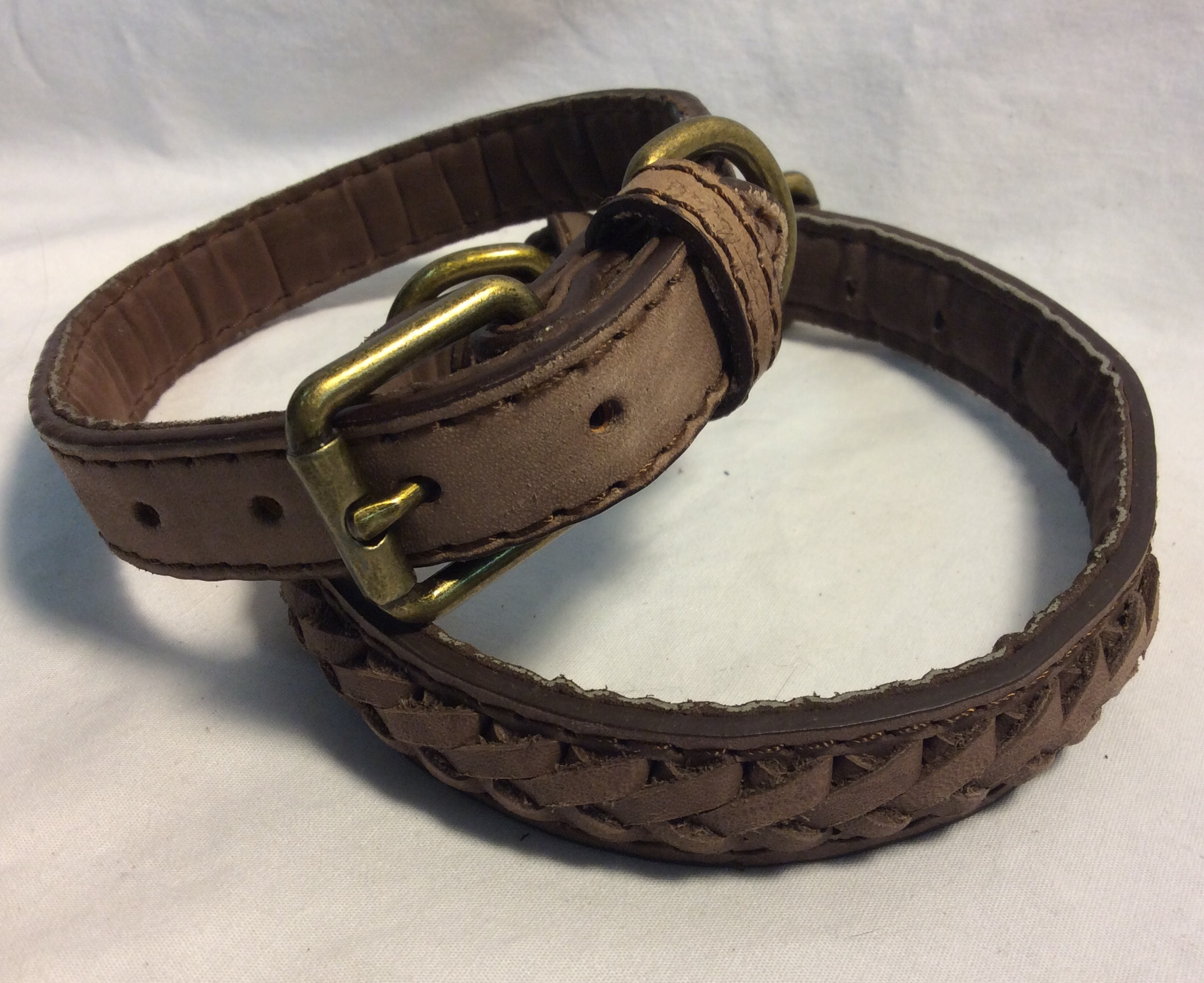 Dog collar leather with braided detail