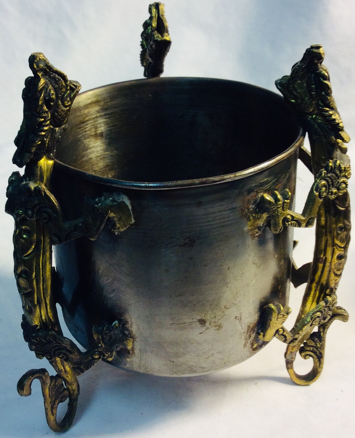 Medium silver cauldron with golden dragon details/handles