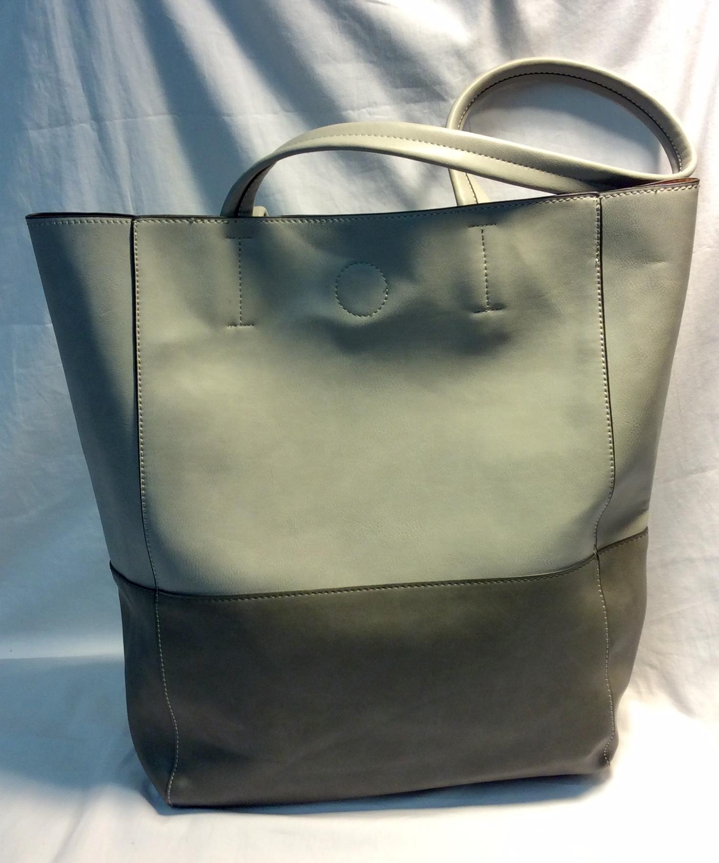 Lily & Ivy Light grey leather purse