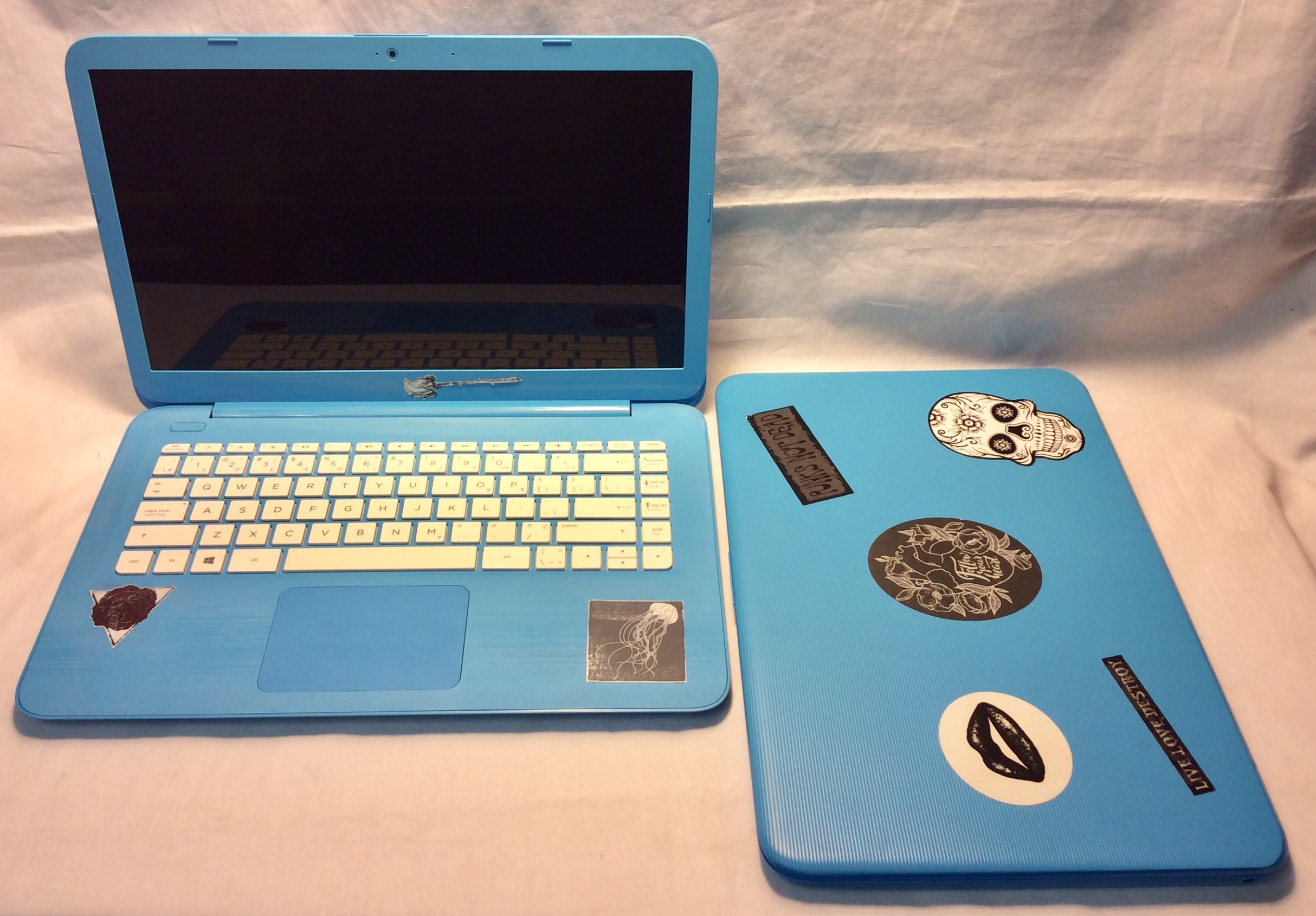 Working light blue HP Stream Laptop
