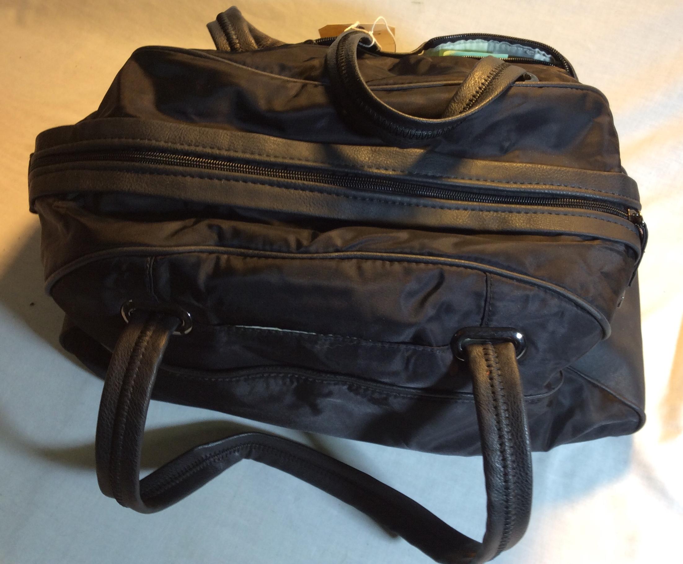 Black spirit gym bag