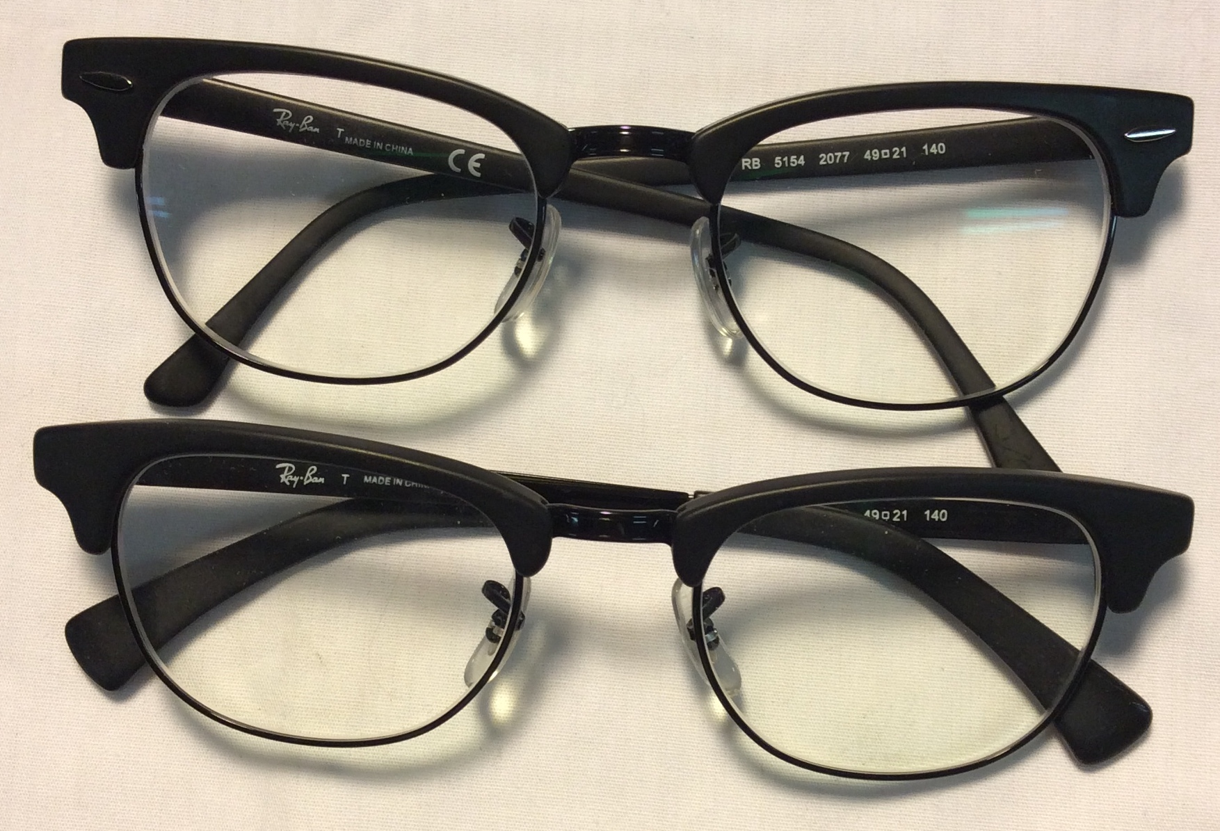 Ray-Ban Black/charcoal plastic frame