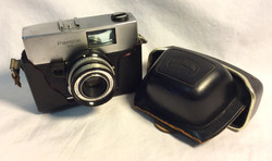 Braun Carl Paxette 35 Camera with black leather case. Germany from 1963 until 1967.