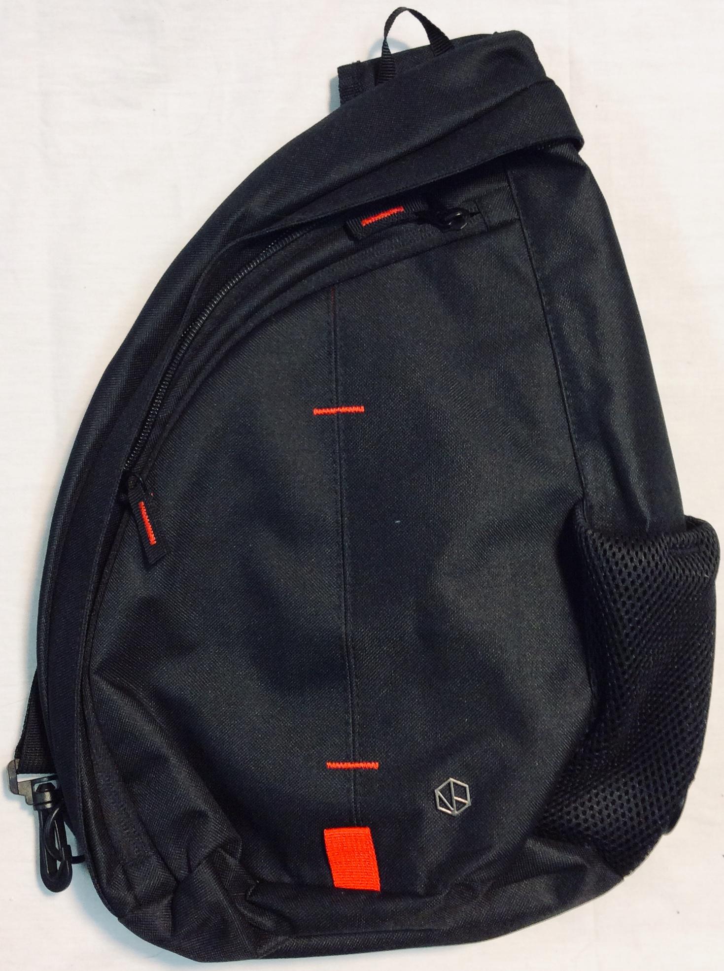 Tracker Black single shoulder strap