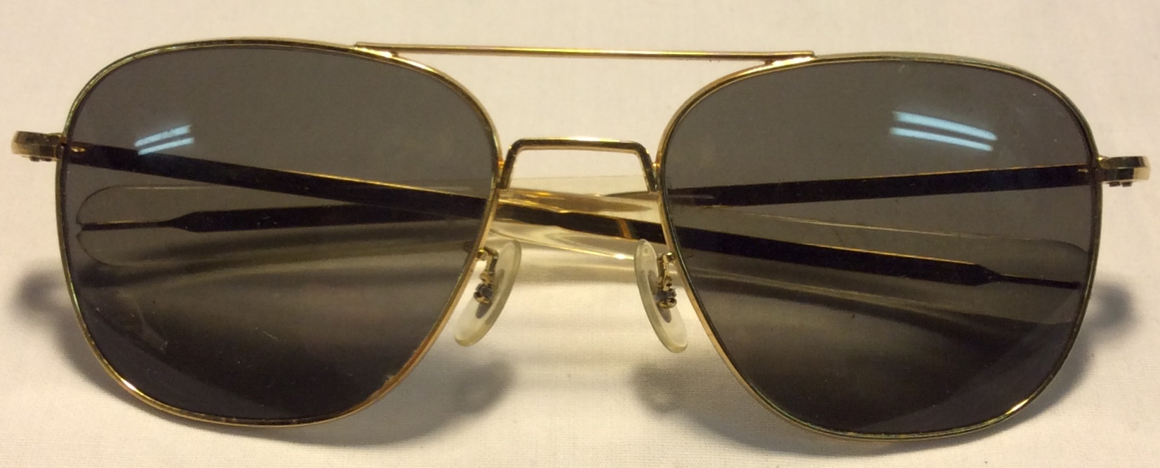 Randolph Eng. USA Flat gold metal