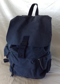 Sac-type school bag. Navy blue