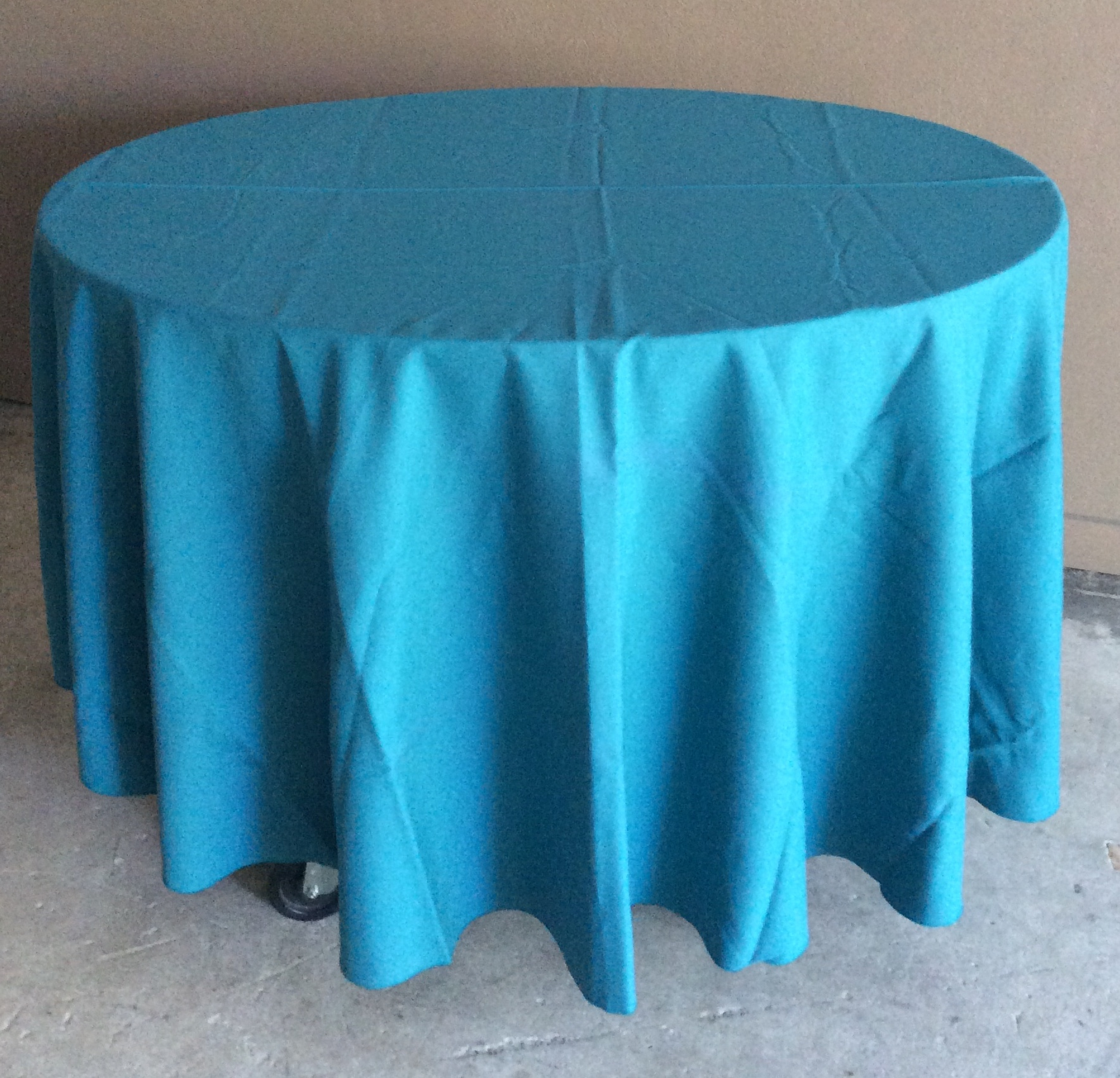 "90"" Diameter Table Cloths - green"