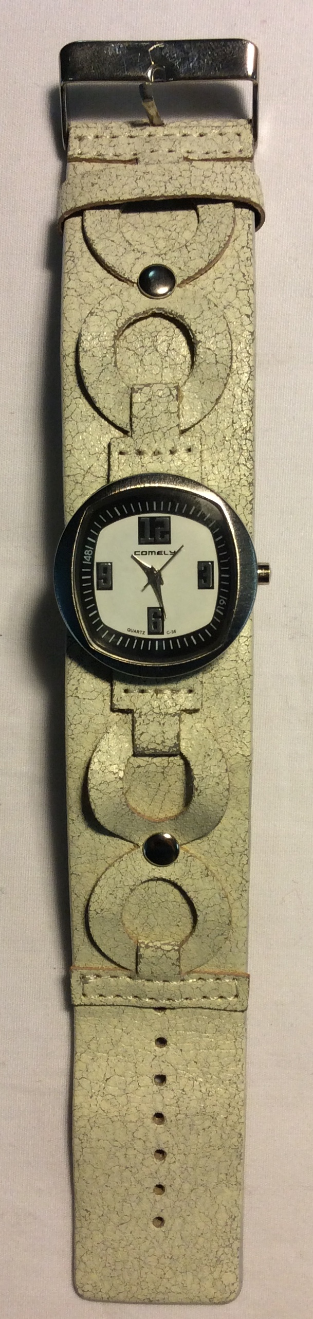 Comely watch - rounded square white