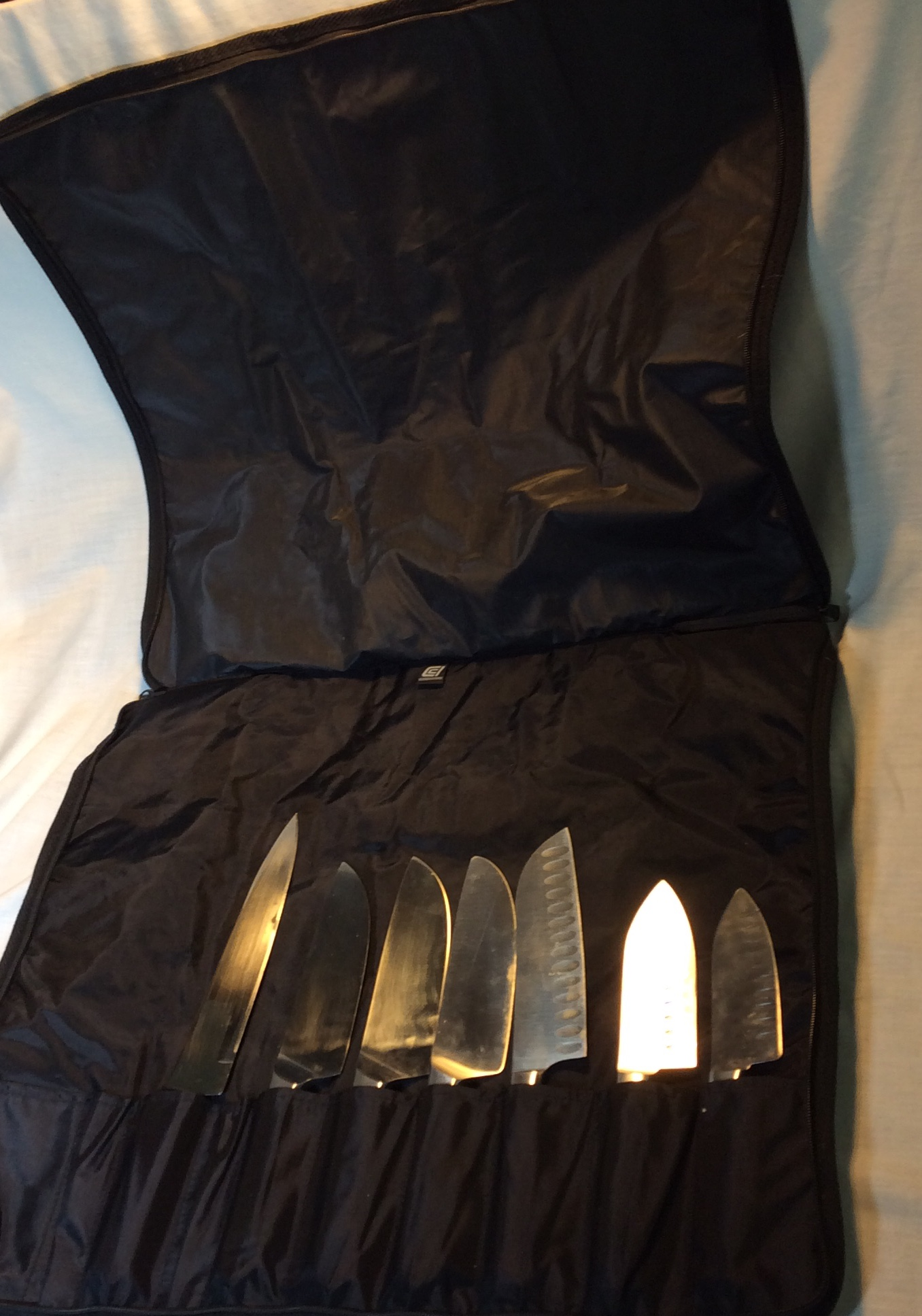 Knive set with carry case