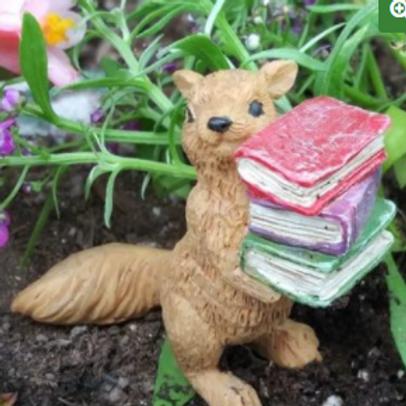 Suzy Squirrel