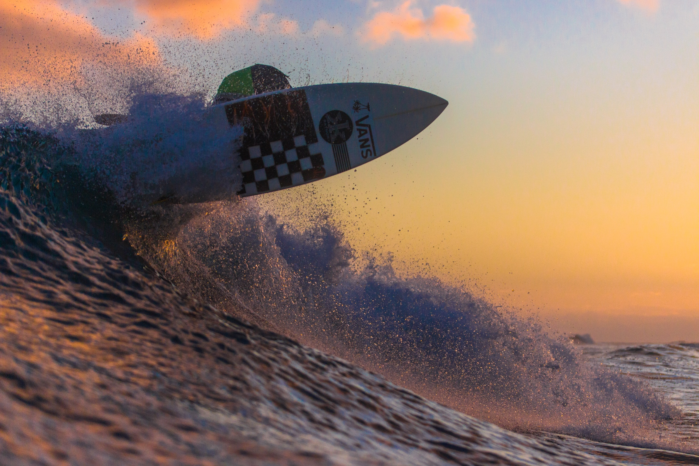 sunset surf 640