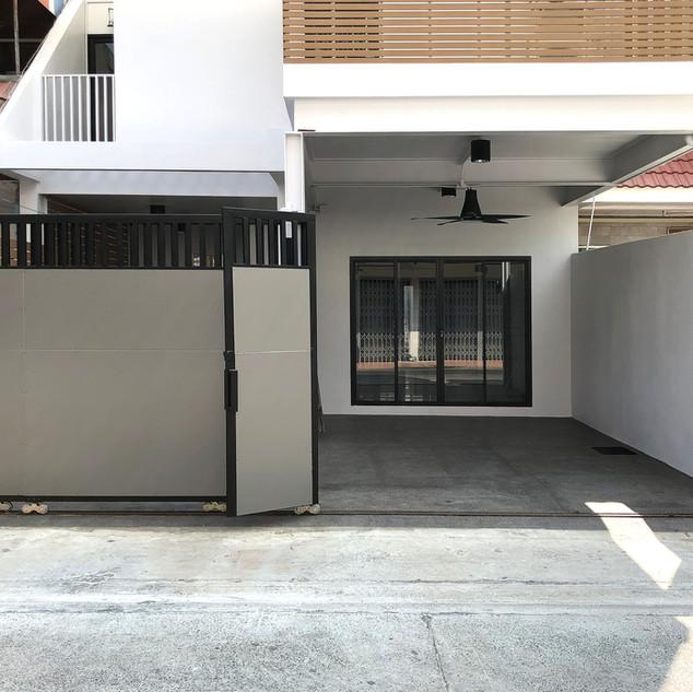 khun mark's house