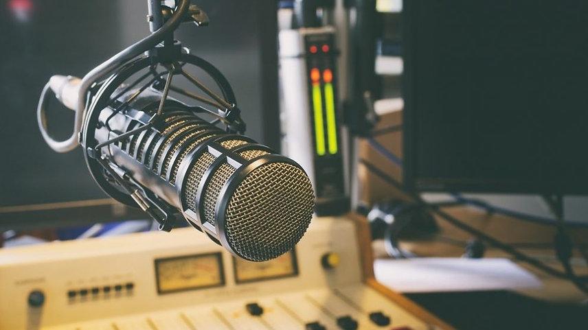 potencia-radios-comunitarias-sendo-estudio-990x556.jpg