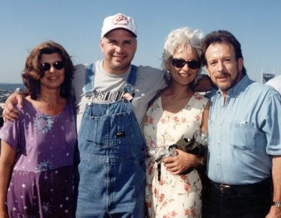 Garth Brooks, Benita Hill & Tommy Smith