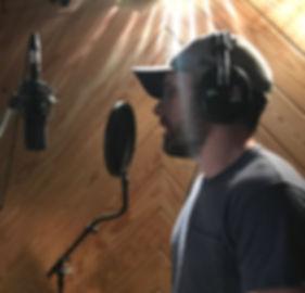 Jonas Wolfe in studio