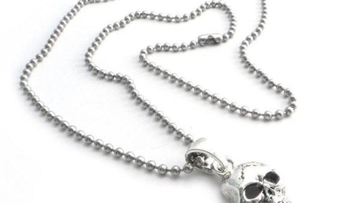 """Skull Pendant on Stainless Steel 30"""" shot bead ball chain"""