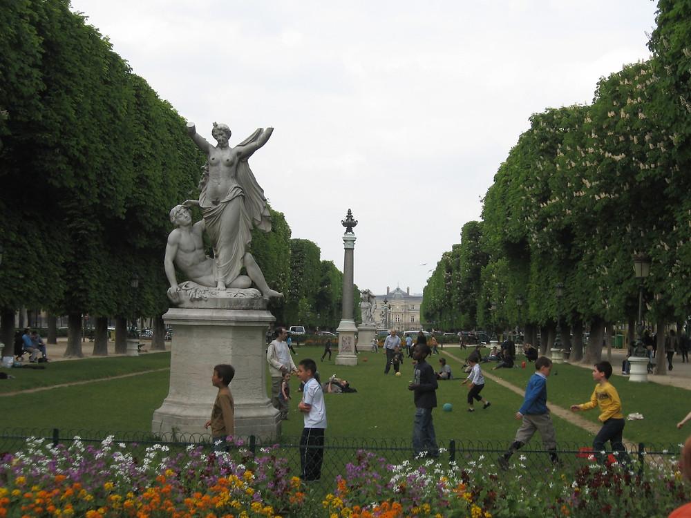Paris, a garden in bloom
