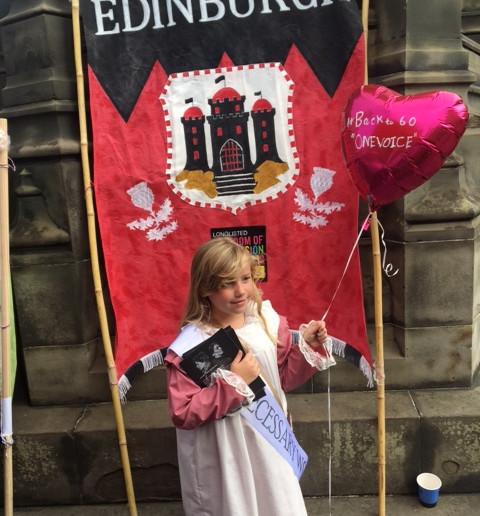 littlegirl_balloon_Edinbest.jpg