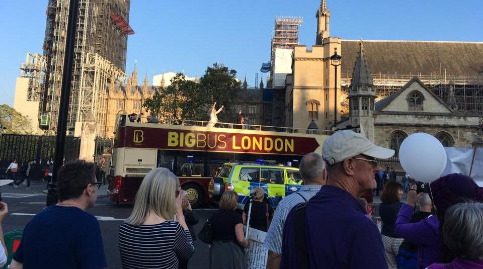 4 londonbus.jpg