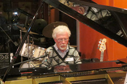 Pianist, John Curtis - ShowBiz Club 250612