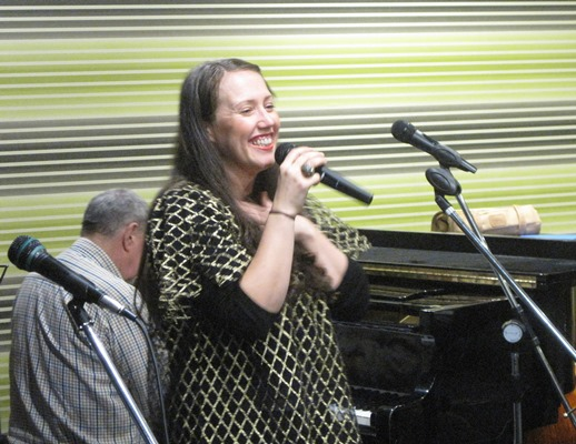 Fem Belling sings - June 2015