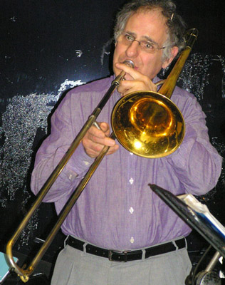 Ezra Kowadlo slide trombone player - 220811
